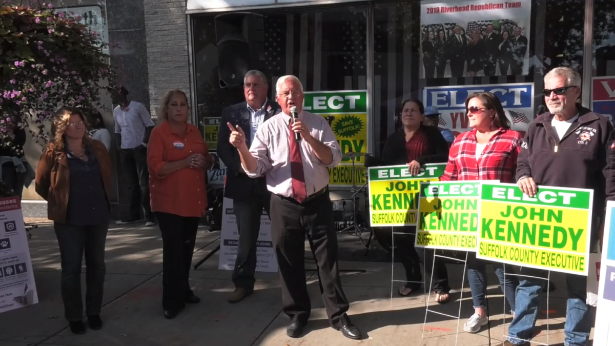 """Kennedy Continues His """"Fiscal Reality Tour"""" in Riverhead"""